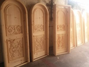 Roma pine door arched 1